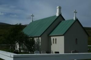 Sleðbrjótskirkja-2-500x333